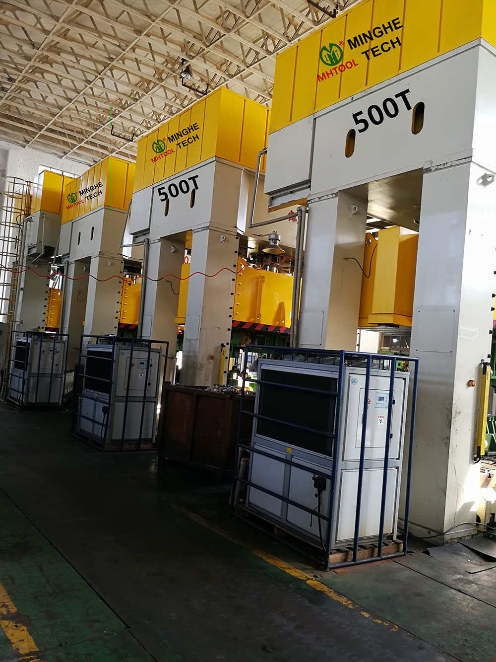 023-MingHe-Four-Column-Gantry-Stamping-Drawing-Hydraulic-Press-1-(4)500T